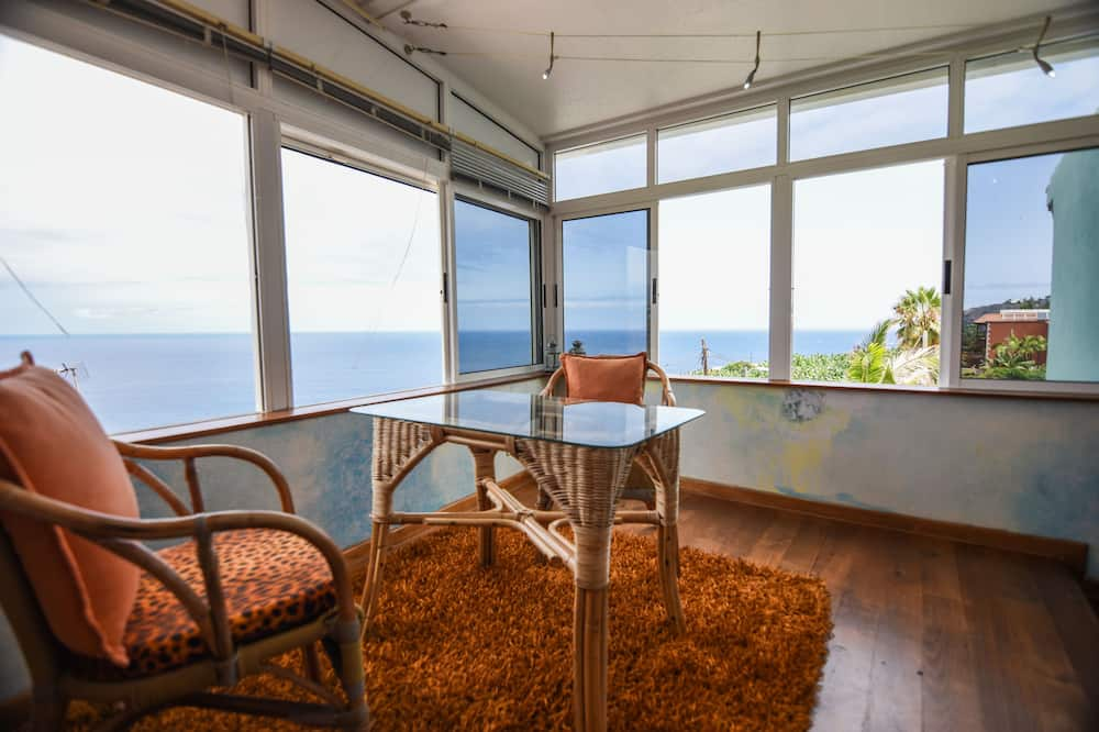 Standard Apartment, 1 Bedroom, Terrace (María del Mar) - Living Room