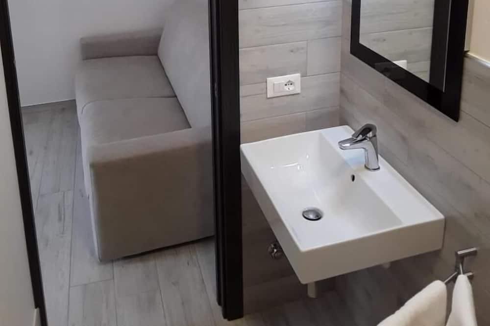 House, 1 Bedroom (4 Prs) - Bathroom