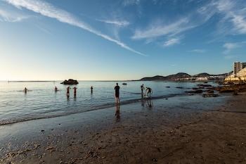 תמונה של FRONT LINE SUITE BEACH by Living Las Canteras בלאס פאלמס דה גראן קנריה