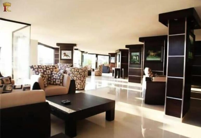 Kingdom Suite Hotel, Damour
