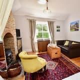 Romantic Cottage, Garden View - Living Area