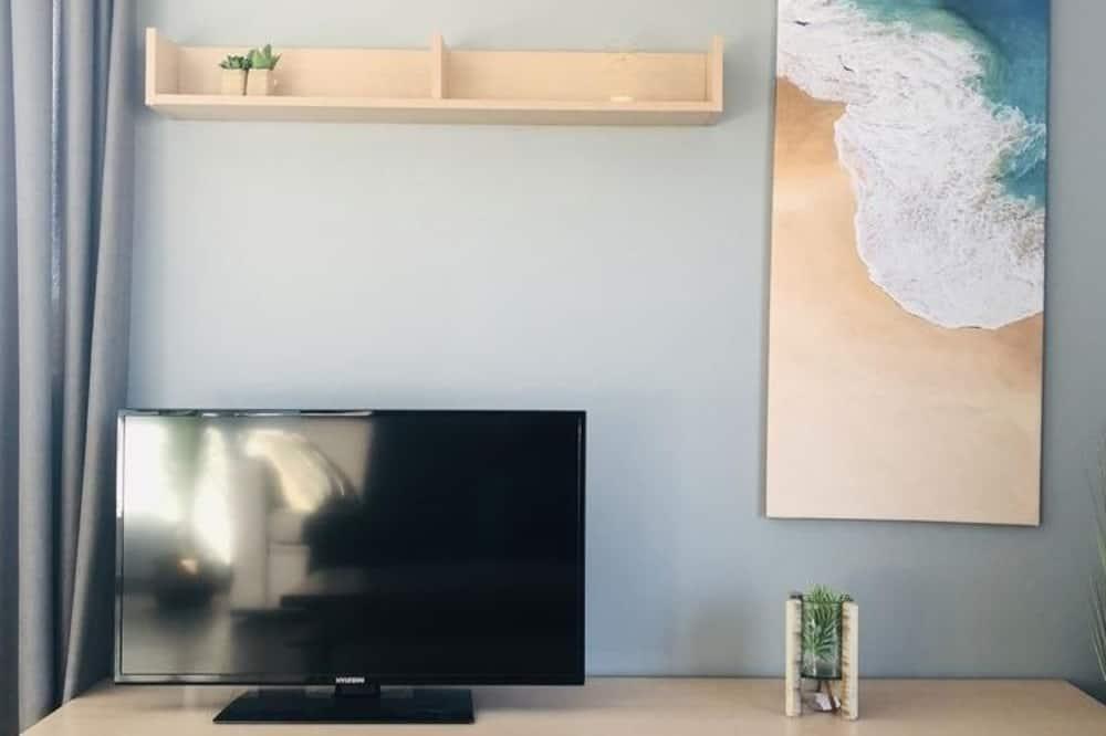 Apartment, 1 Bedroom (163613) - Living Area