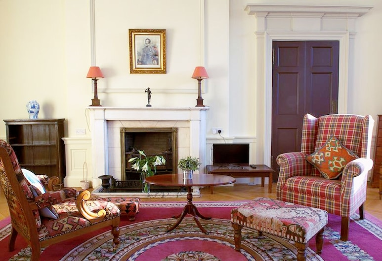 Classy Historic Edinburgh Apartment, Edinburgh