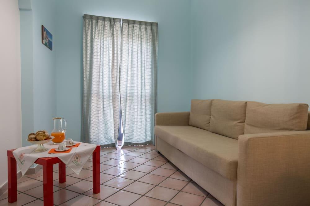 Quadruple Room (Leuka) - In-Room Dining