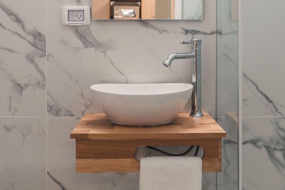 غرفة مريحة - حوض الحمام