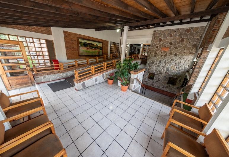 Hotel del Campo, Quetzaltenango, Interior de la entrada