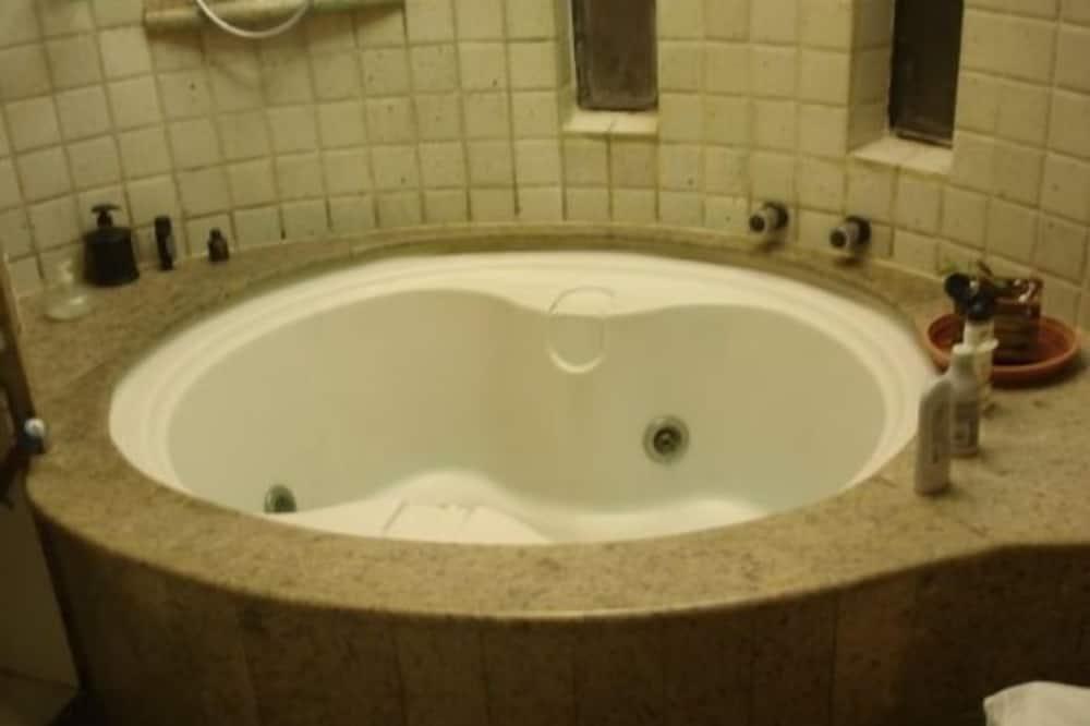 סוויטת סטודיו פרימיום - חדר רחצה
