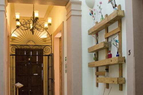 瑪麗亞博尼塔酒店/