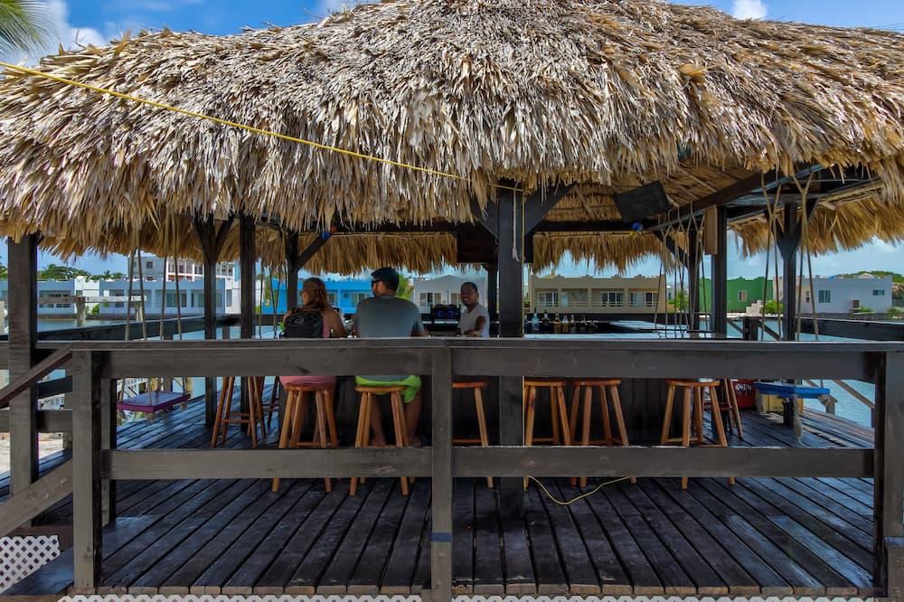 Huoneisto, 2 makuuhuonetta, Yksityinen uima-allas (Suite B303 @ Mara Laguna *Gold Standa) - Rantabaari