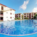 House, Multiple Beds (Two-Bedroom House) - Outdoor Pool