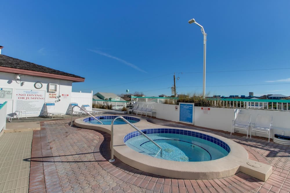 House, Multiple Beds (Two-Bedroom Apartment) - Pool