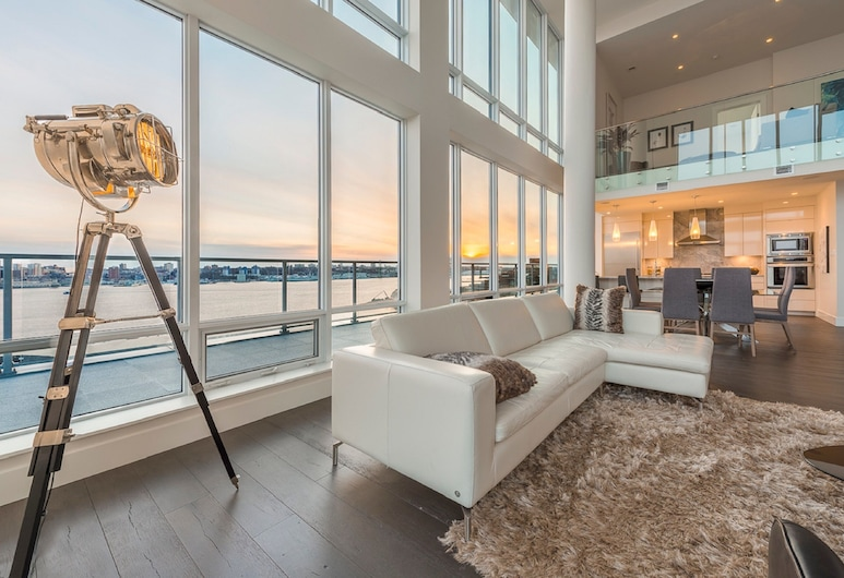 Simply Comfort. King's Wharf Apartments, Dartmouth, Presidential Penthouse, 2 Bedrooms, Kitchen, Ocean View, Living Area
