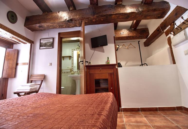 Cuencaloft Escapada Corazón Plaza Mayor, Κουένκα, Στούντιο, Μπαλκόνι, Δωμάτιο