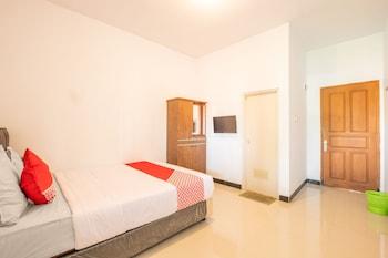 Фото OYO 863 Tenacity Guest House Syariah у місті Захід Чіребону