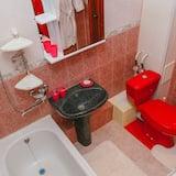 Elite Apartment, Courtyard View - Bathroom