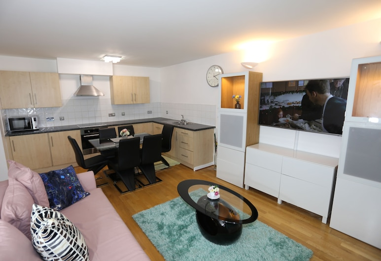 Beautiful 2 beds Woolwich Central Apt, Londýn