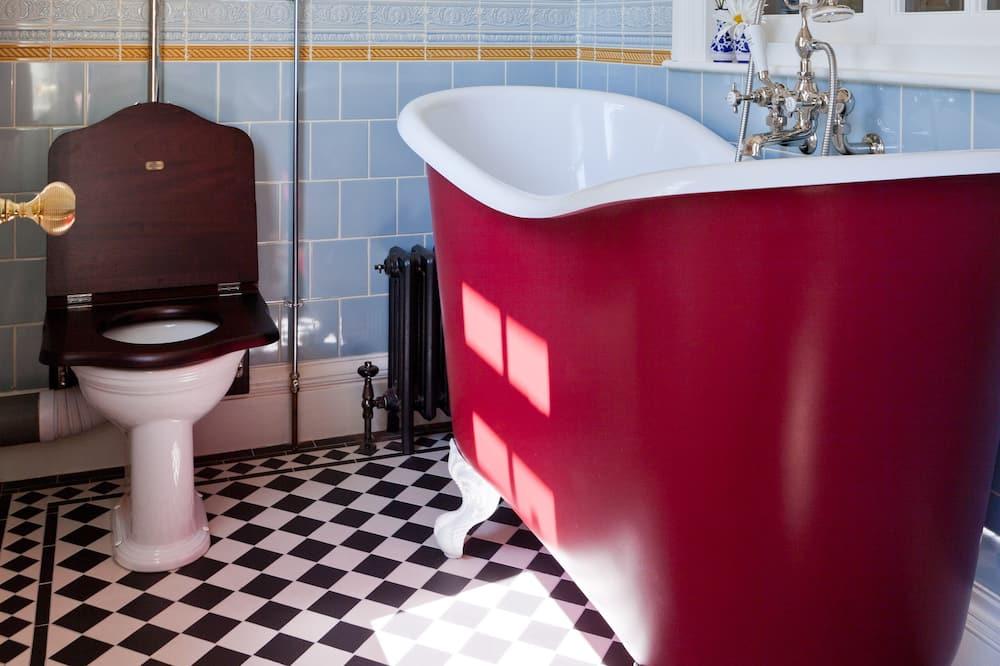 Dvojlôžková izba, vlastná kúpeľňa, výhľad na záhradu (Lady Isham's) - Kúpeľňa