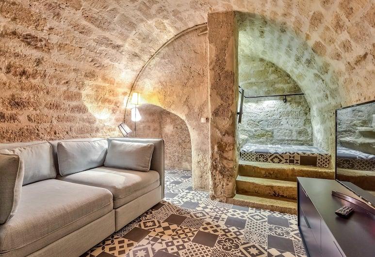 86 - Charming Apartment in Paris, Paris, Basic Apartment, Living Room