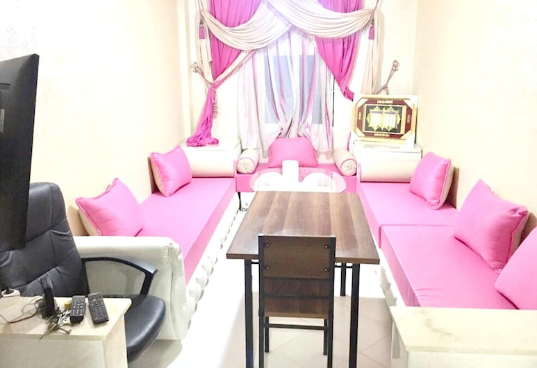 Apartment With 2 Bedrooms in Al Hoceima, With Furnished Garden - 18 km From the Beach, Imzouren