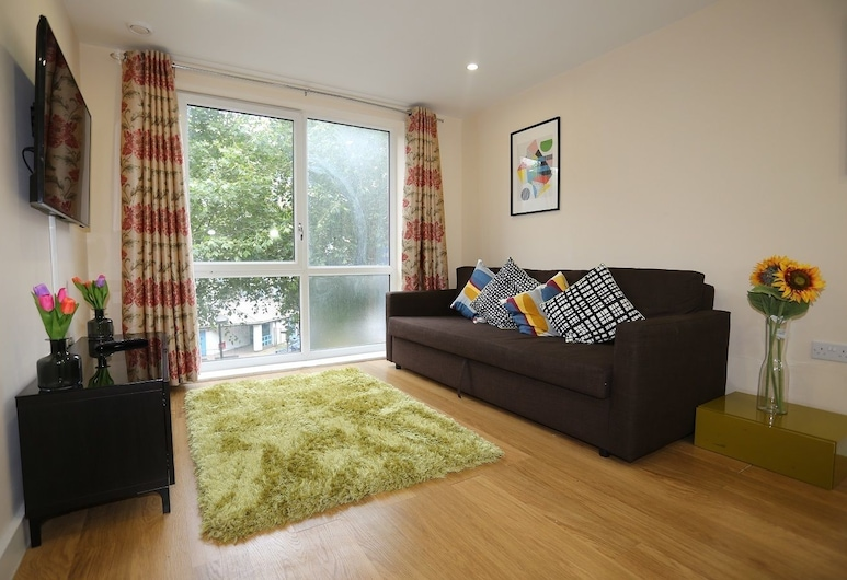 Lovely 2 beds Woolwich Central Apartment, Londýn