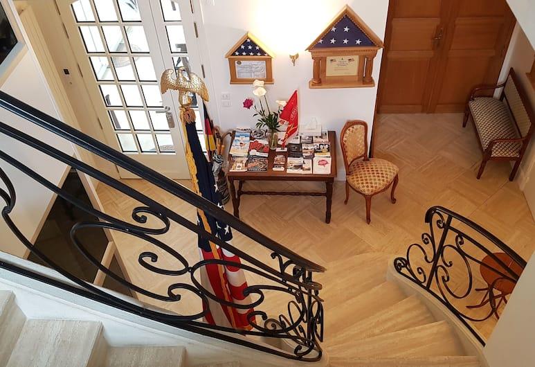 Friendly Home Bayeux, Bayeux, Tangga