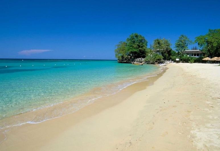 I Heart JA Affordable Luxury Runaway Bay, Runaway Bay
