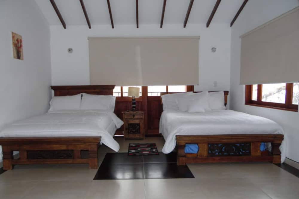 Classic Quadruple Room - Guest Room