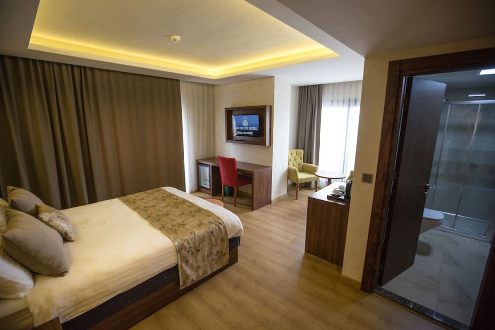 Deluxe Suite, City View - Guest Room