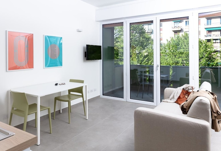 Cirene Apartments Milano, Milan, Panoramic Apartment, 1 Bedroom, City View, Living Area
