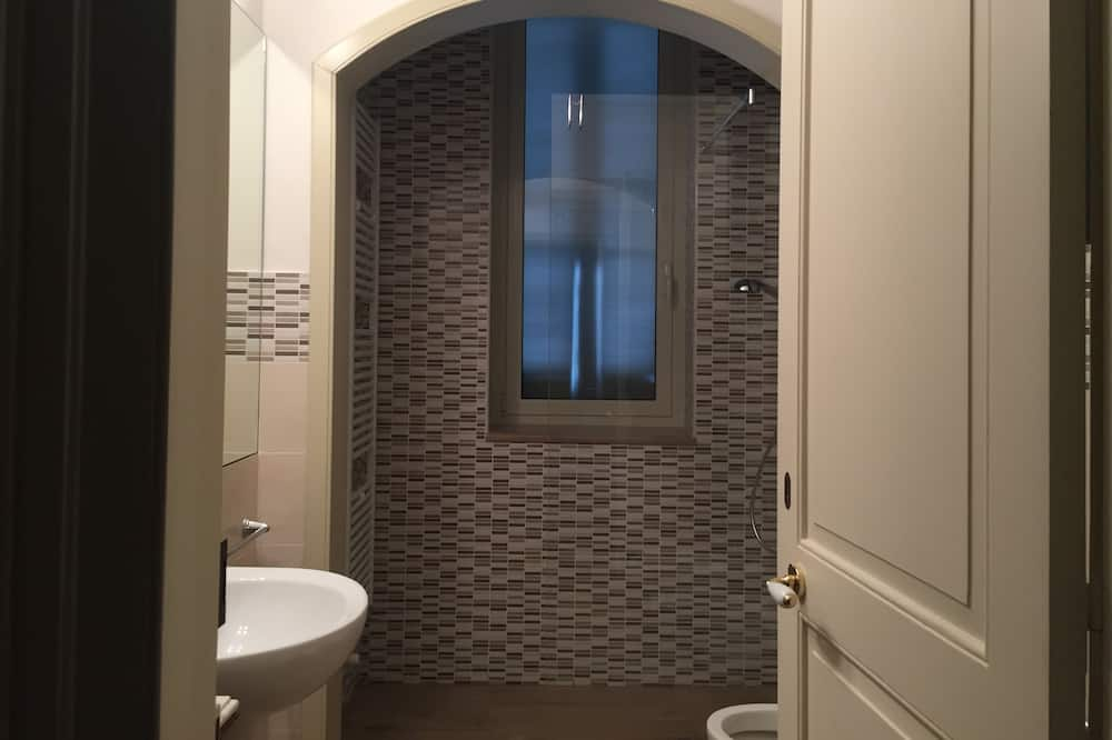 Superior Double Room, 1 Queen Bed, Private Bathroom (External - Verde) - Bathroom