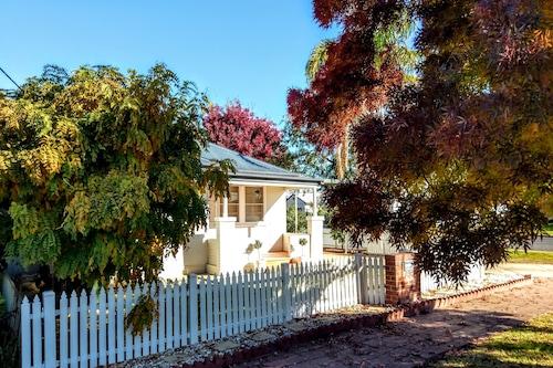shady Corner Cottage