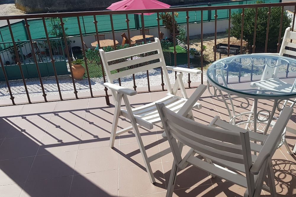 Family Shared Dormitory, Multiple Beds, Terrace, Garden View - Balcony View