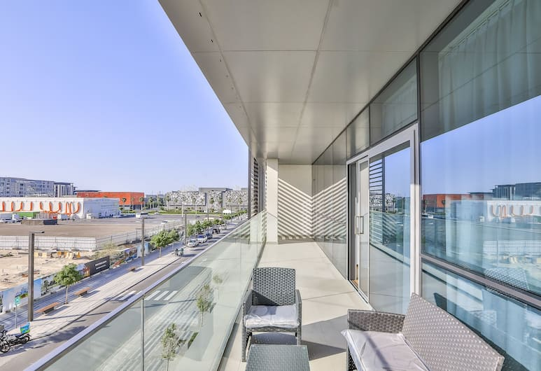 Driven Holiday Homes - City Walk 11A, Dubai, Lägenhet - 3 sovrum, Balkongutsikt