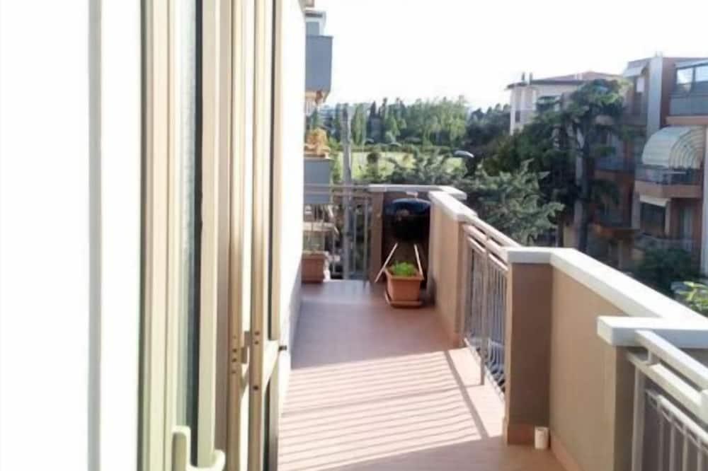 Dzīvokļnumurs, viena guļamistaba, balkons - Terase/iekšējais pagalms