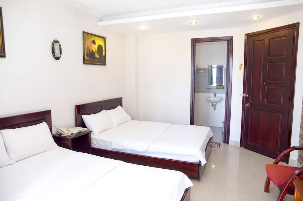 Deluxe Room, 2 Double Beds, Non Smoking, Bathtub - Bathroom