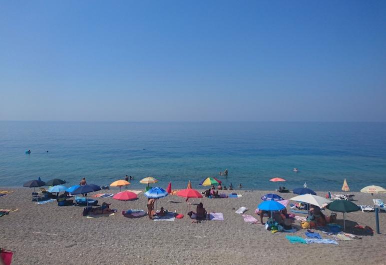 Camping Gioiosa B&B, Gioiosa Marea, Pláž