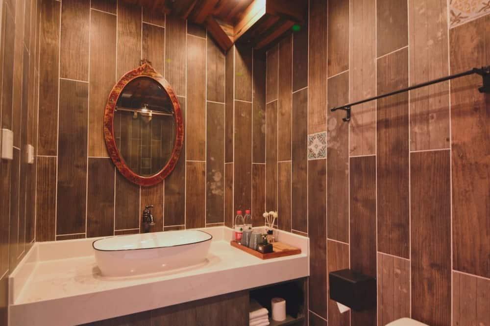 豪華家庭套房 - 浴室洗手台