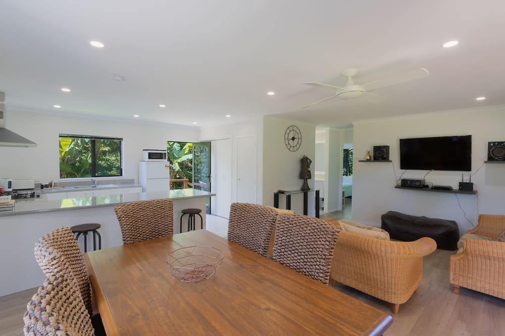 Superior House, 3 Bedrooms, Kitchen - Living Area