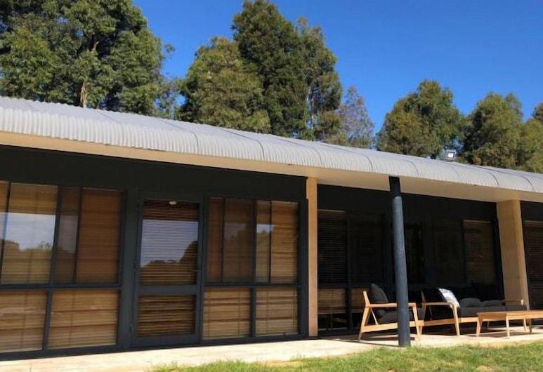 Tanah Marah, Bramley, Superior Chalet, Accessible, Lake View, Terrace/Patio