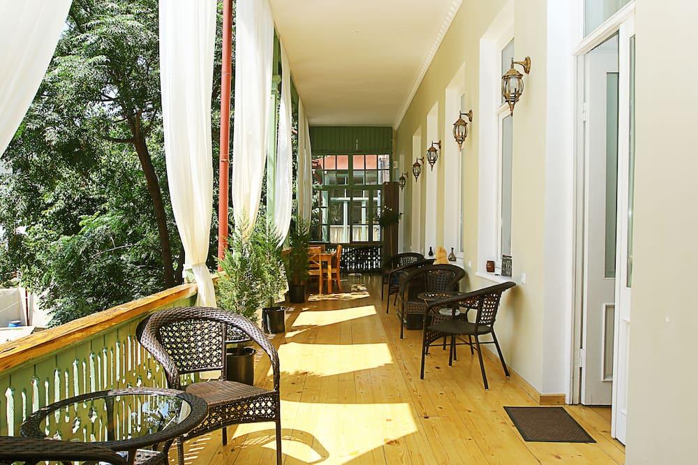 Standard-Dreibettzimmer, Terrasse - Balkon