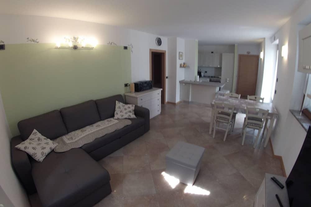 Standard Apartment, 2 Bedrooms, Garden View - Living Area