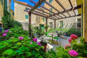 Split bölgesindeki Veig Palace resmi