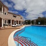 Double Room, Pool View (301) - Lanai