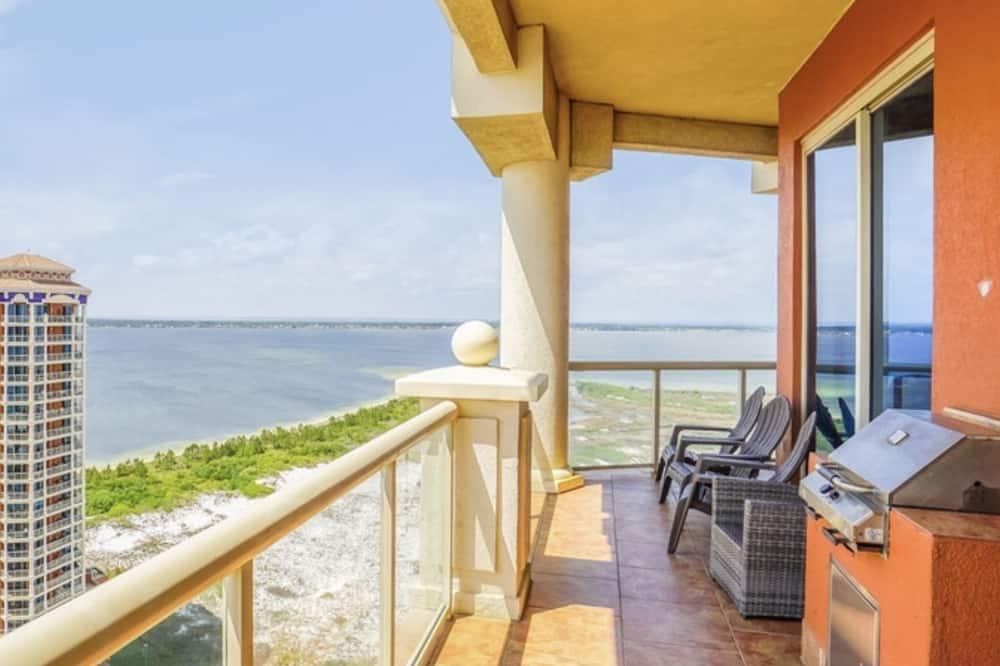 Elite Condo, 3 Bedrooms, Ocean View - Terrace/Patio