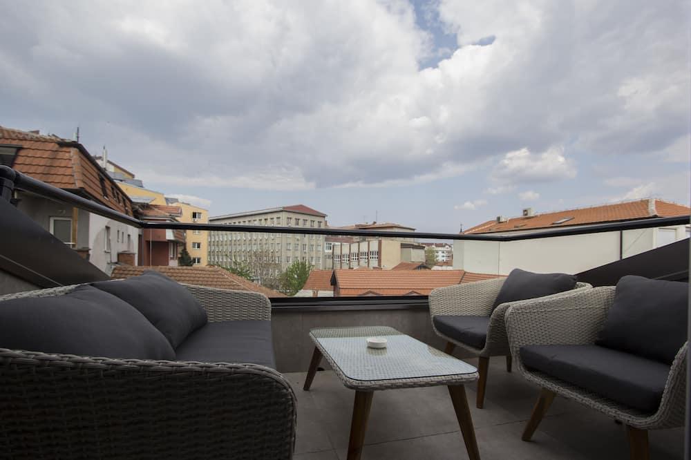 Economy Triple Room, Terrace - Terrace/Patio