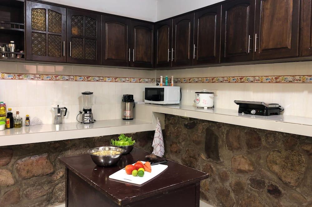 Triple Room, Mountain View, Shared Bathroom - Bendra virtuvė