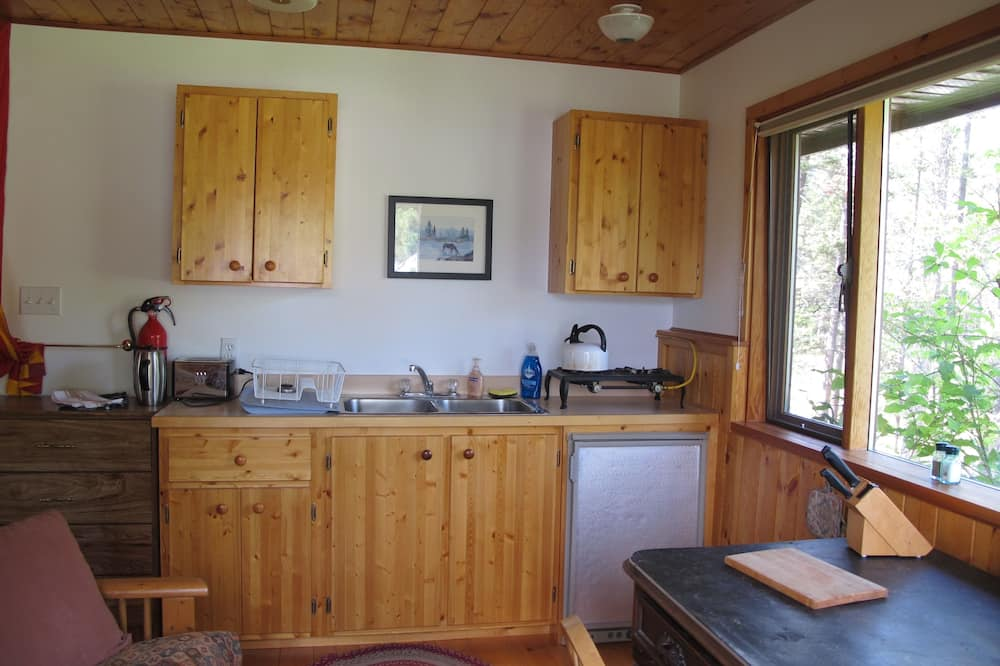 Basic Double or Twin Room, Kitchen, Mountain View - Shared kitchen facilities