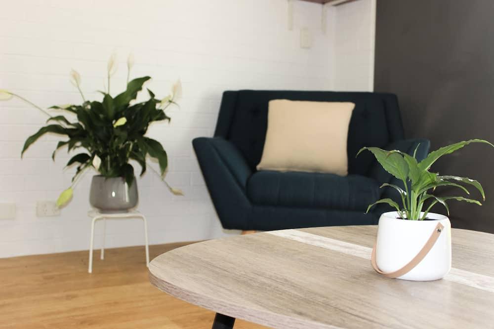 Ardeena Deluxe Suite - Living Area