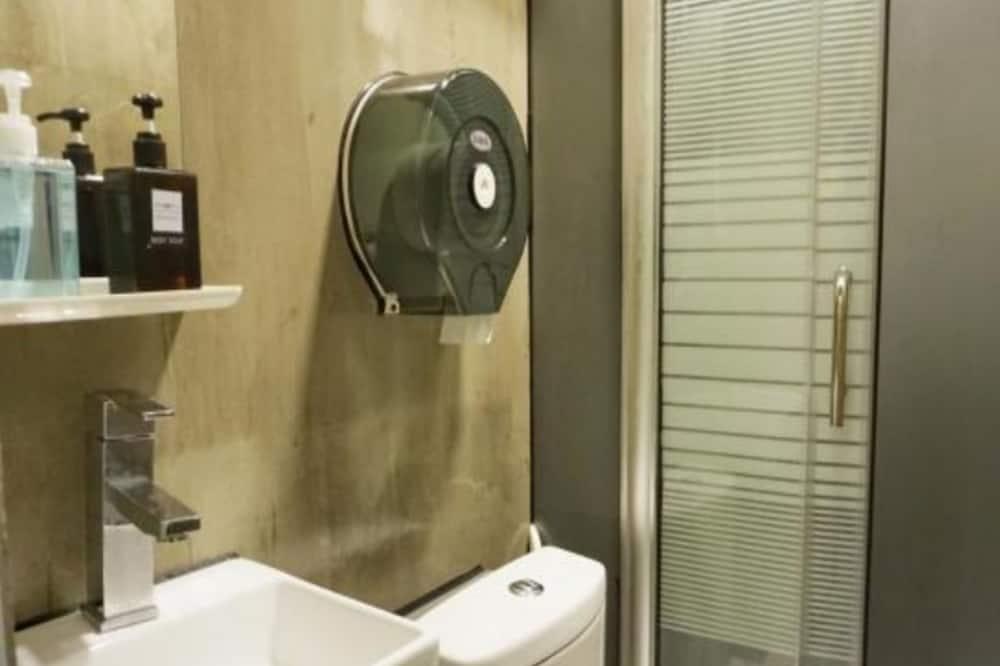 Ortak Ranzalı Oda, Karma Ranzalı Oda (1 Bed in 12-Bed) - Banyo
