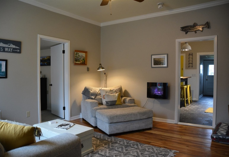 Last Best Place, Red Lodge, Living Area